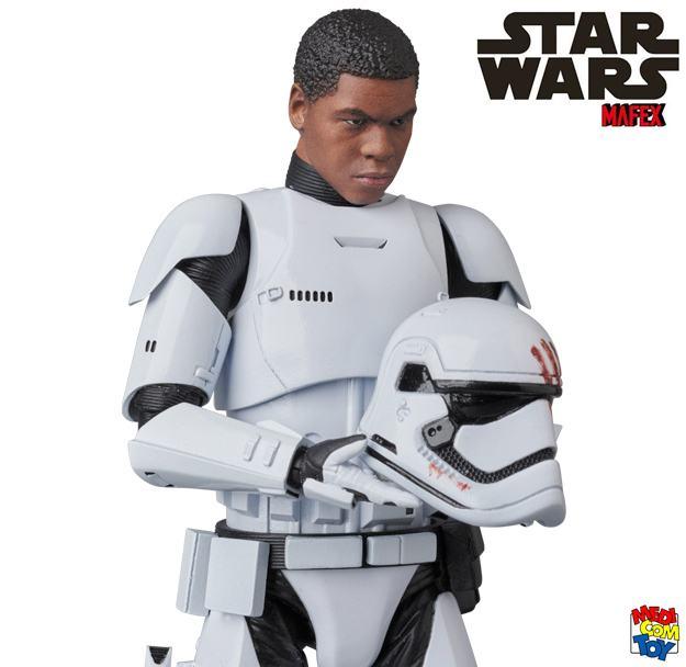Stormtrooper-FN-2187-Finn-MAFEX-Action-Figure-05