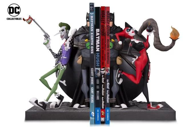 Batman-Joker-and-Harley-Bookend-Statue-02