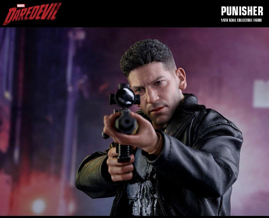 The-Punisher-Marvel-Daredevil-Collectible-Figure-Hot-Toys-07
