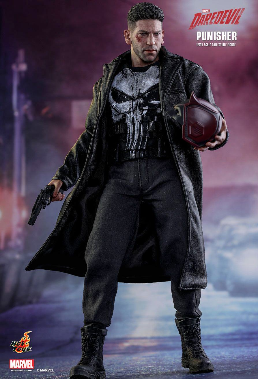 The-Punisher-Marvel-Daredevil-Collectible-Figure-Hot-Toys-11