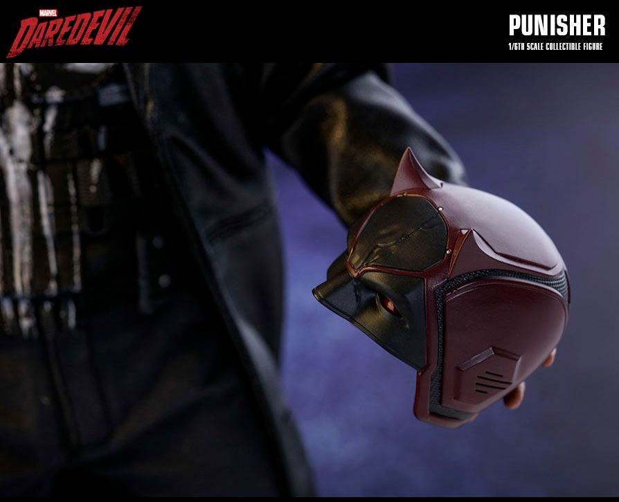 The-Punisher-Marvel-Daredevil-Collectible-Figure-Hot-Toys-12