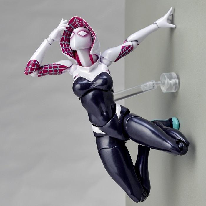Action-Figure-Spider-Gwen-Amazing-Yamaguchi-09