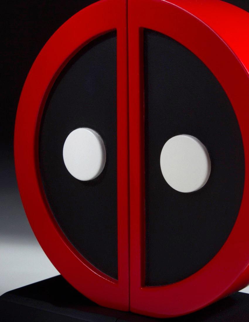 Apoio-de-Livros-Deadpool-Logo-Bookend-Set-04