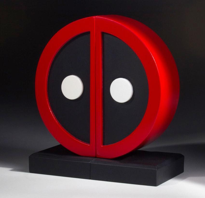Apoio-de-Livros-Deadpool-Logo-Bookend-Set-05