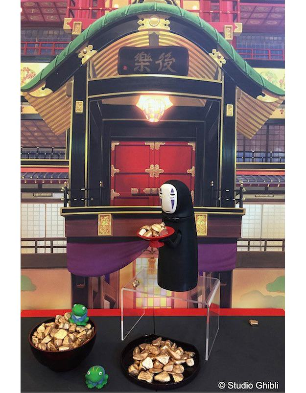 Cofre-Viagem-de-Chihiro-Spirited-Away-Kaonashi-No-Face-Piggy-Bank-Studio-Ghibli-03