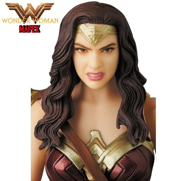Mulher-Maravilha-Wonder-Woman-MAFEX-Action-Figure-03