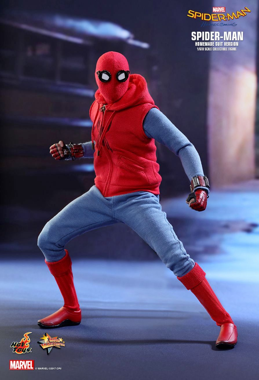 Action-Figure-Hot-Toys-Spider-Man-Homemade-Suit-Version-04