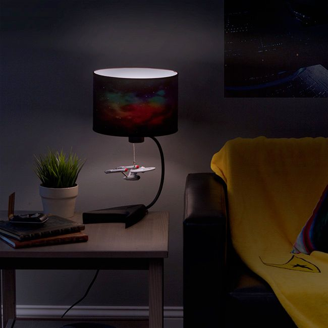 Luminaria-Star-Trek-Enterprise-Table-Lamp-03