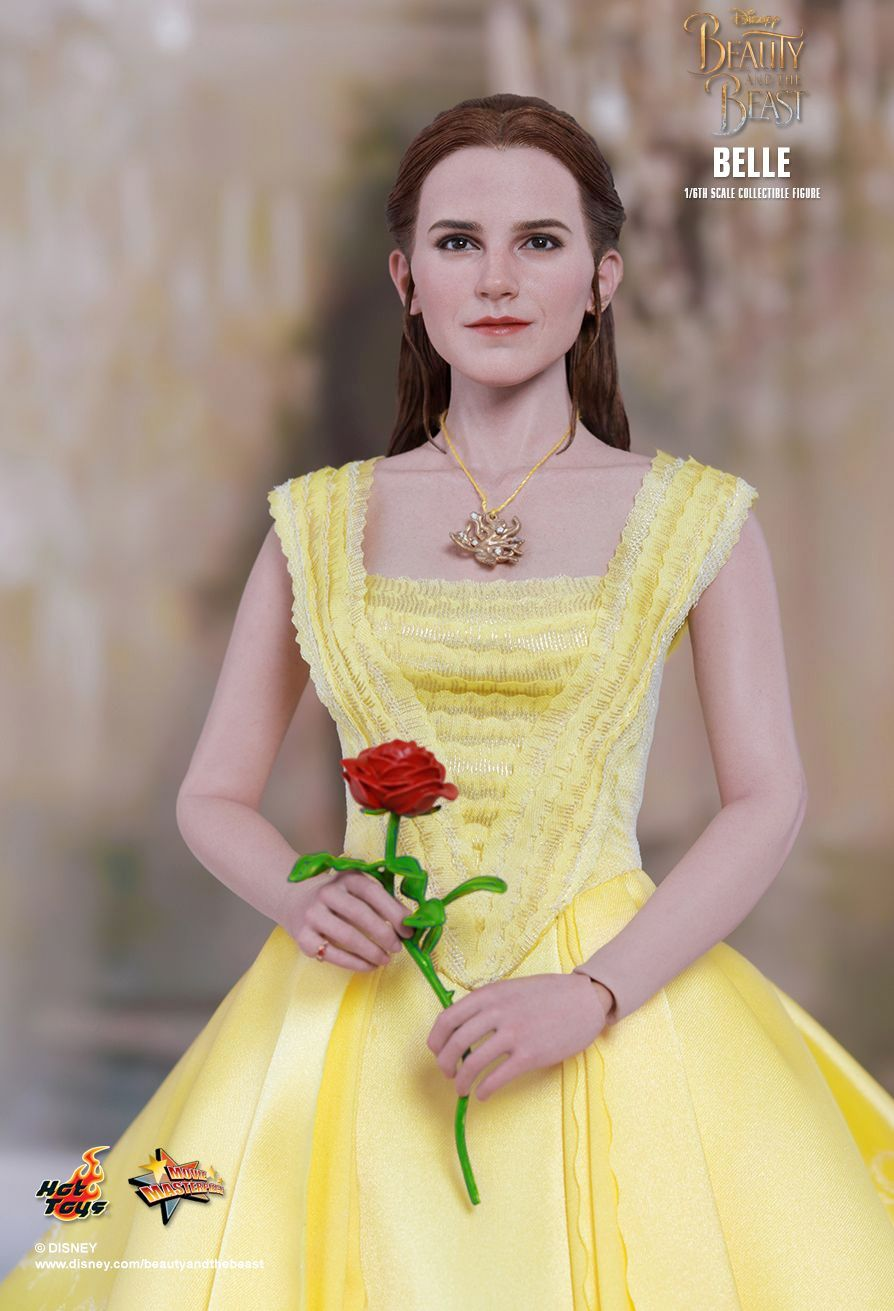 Belle-Beauty-and-the-Beast-Collectible-Figure-05