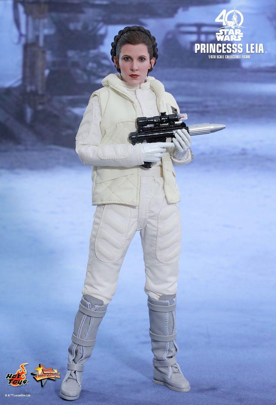 Hot-Toys-Princess-Leia-Collectible-Figure-Episode-V-01