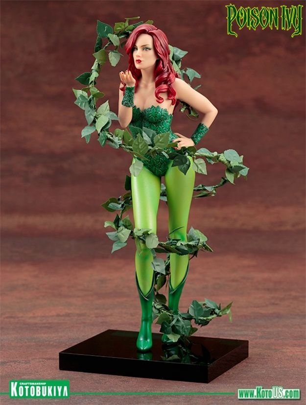 Mad-Lovers-Poison-Ivy-ArtFX-Statue-03