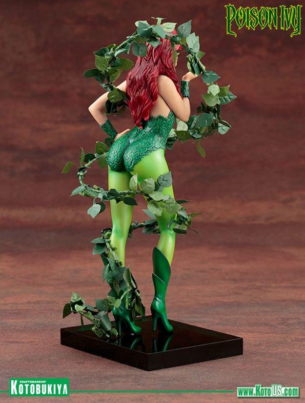 Mad-Lovers-Poison-Ivy-ArtFX-Statue-06
