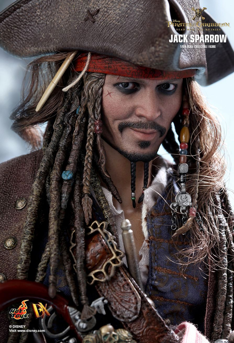 Hot-Toys-Jack-Sparrow-Pirates-of-the-Caribbean-Dead-Men-Tell-No-Tales-Collectible-Figure-03