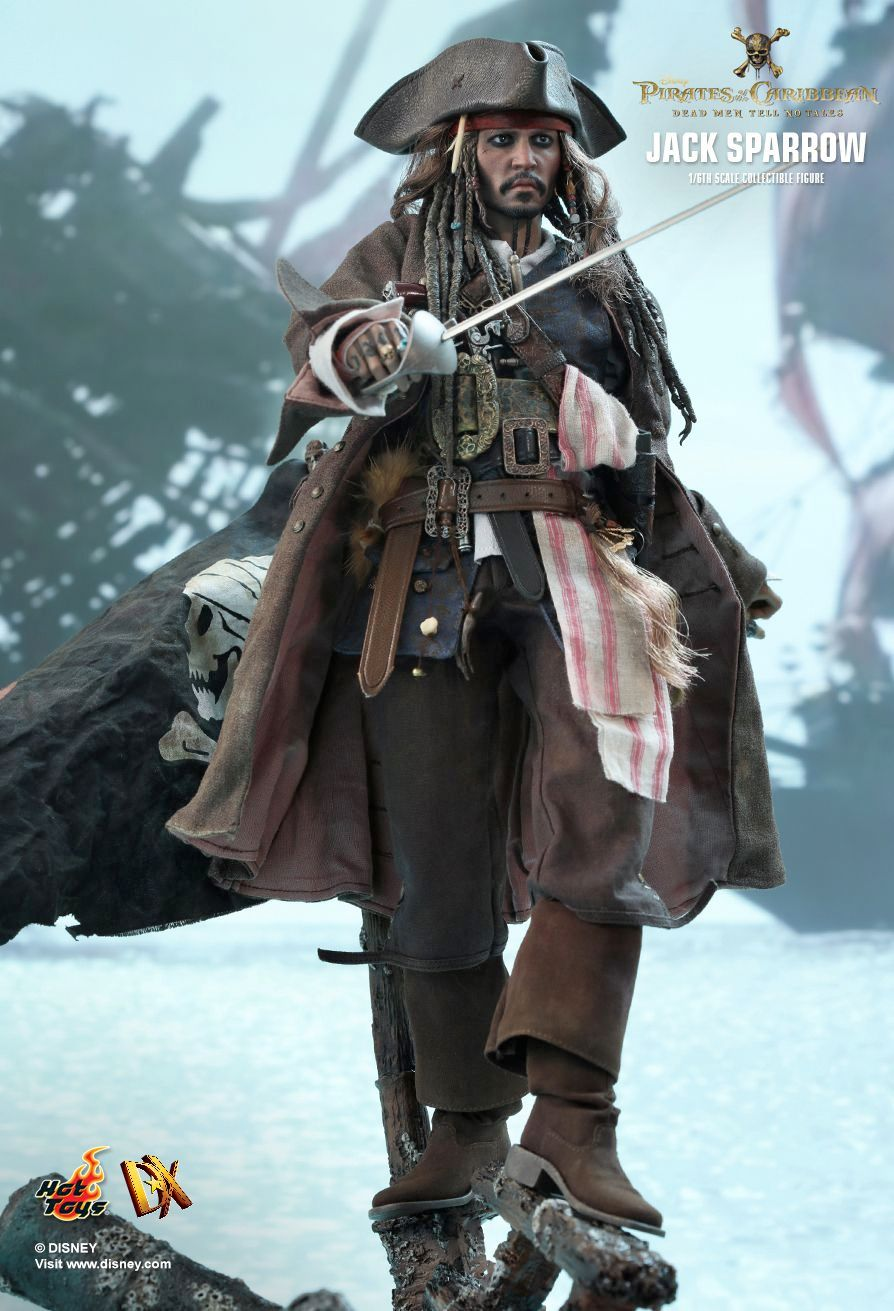 Hot-Toys-Jack-Sparrow-Pirates-of-the-Caribbean-Dead-Men-Tell-No-Tales-Collectible-Figure-04