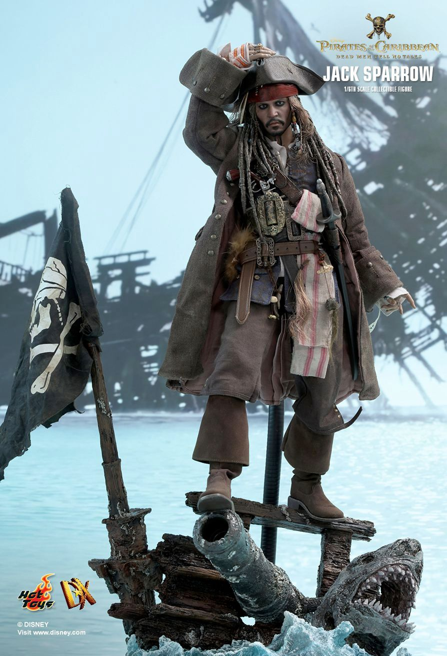 Hot-Toys-Jack-Sparrow-Pirates-of-the-Caribbean-Dead-Men-Tell-No-Tales-Collectible-Figure-05