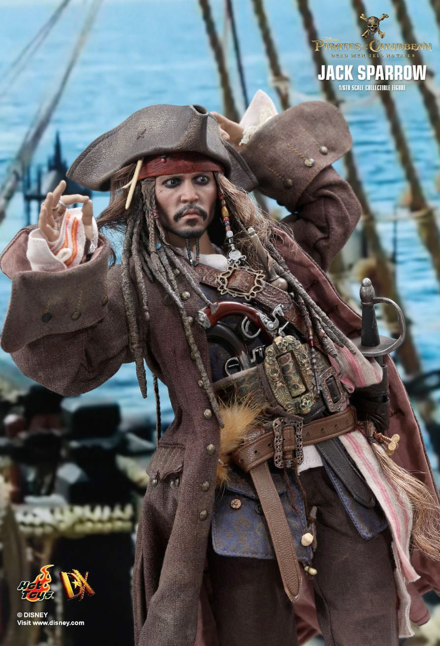 Hot-Toys-Jack-Sparrow-Pirates-of-the-Caribbean-Dead-Men-Tell-No-Tales-Collectible-Figure-08