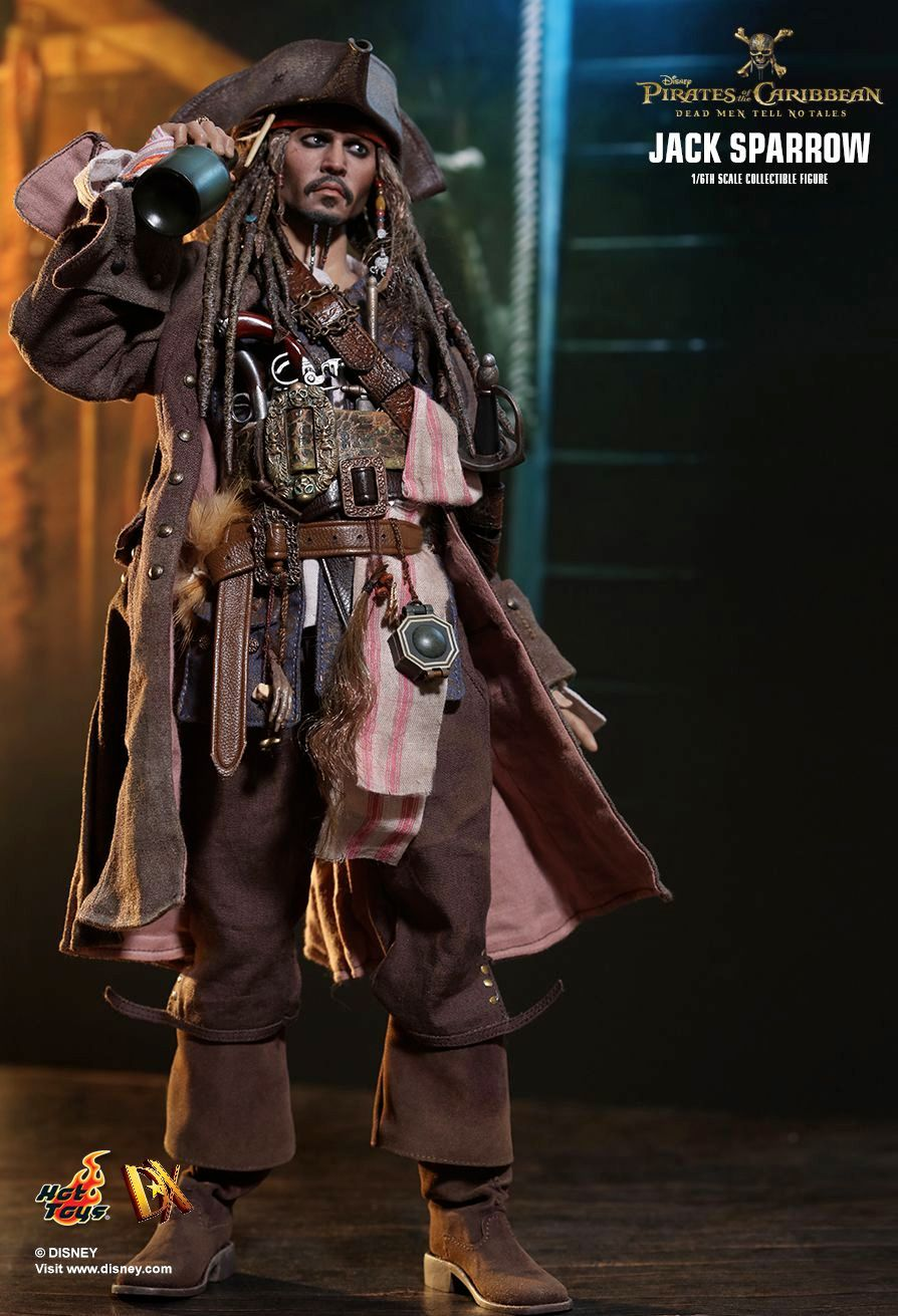 Hot-Toys-Jack-Sparrow-Pirates-of-the-Caribbean-Dead-Men-Tell-No-Tales-Collectible-Figure-11