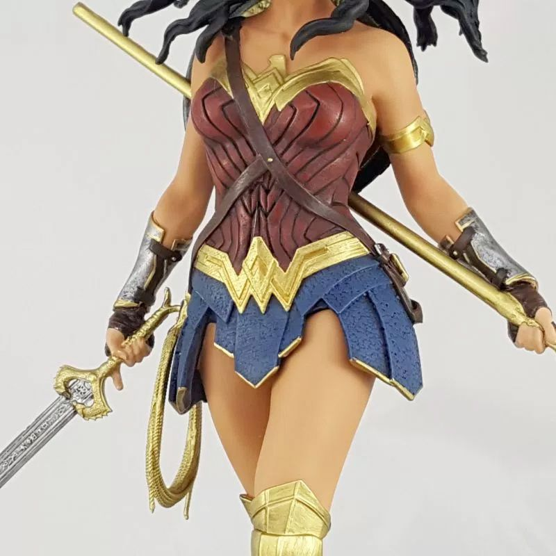Estatua-Mulher-Maravilha-DC-Comics-Wonder-Woman-Movie-Statue-Icon-Heroes-08
