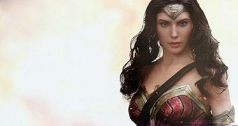 Wonder Woman (Gal Gadot) em Batman Vs Superman – Action Figure Perfeita 1:6 Hot Toys