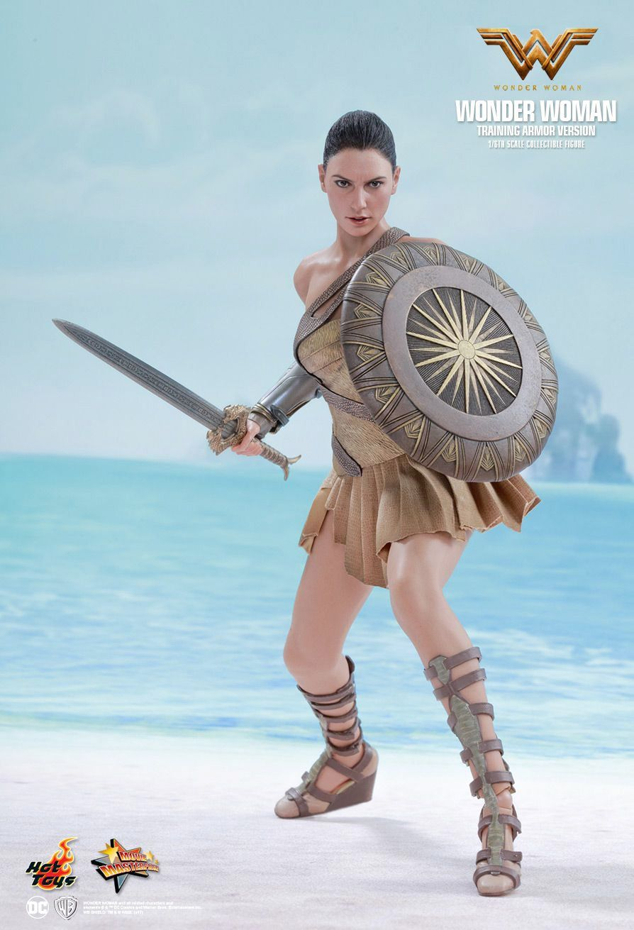 Hot-Toys-Wonder-Woman-Training-Armor-Version-Collectible-Action-Figure-08