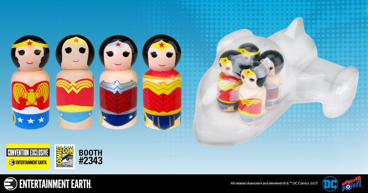 Mulher-Maravilha-Invisible-Jet-with-Wonder-Woman-Evolution-Pin-Mate-Wooden-Figure-Set-02