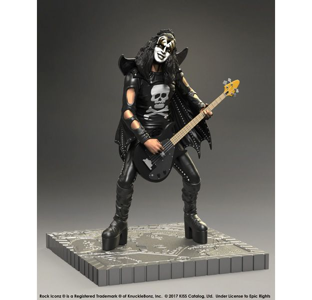Estatuas-KISS-Rock-Iconz-Hotter-than-Hell-e-Alive-02
