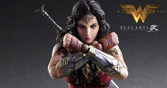 Wonder Woman Action Figure Play-Arts Kai (Gal Gadot) do Filme Mulher Maravilha