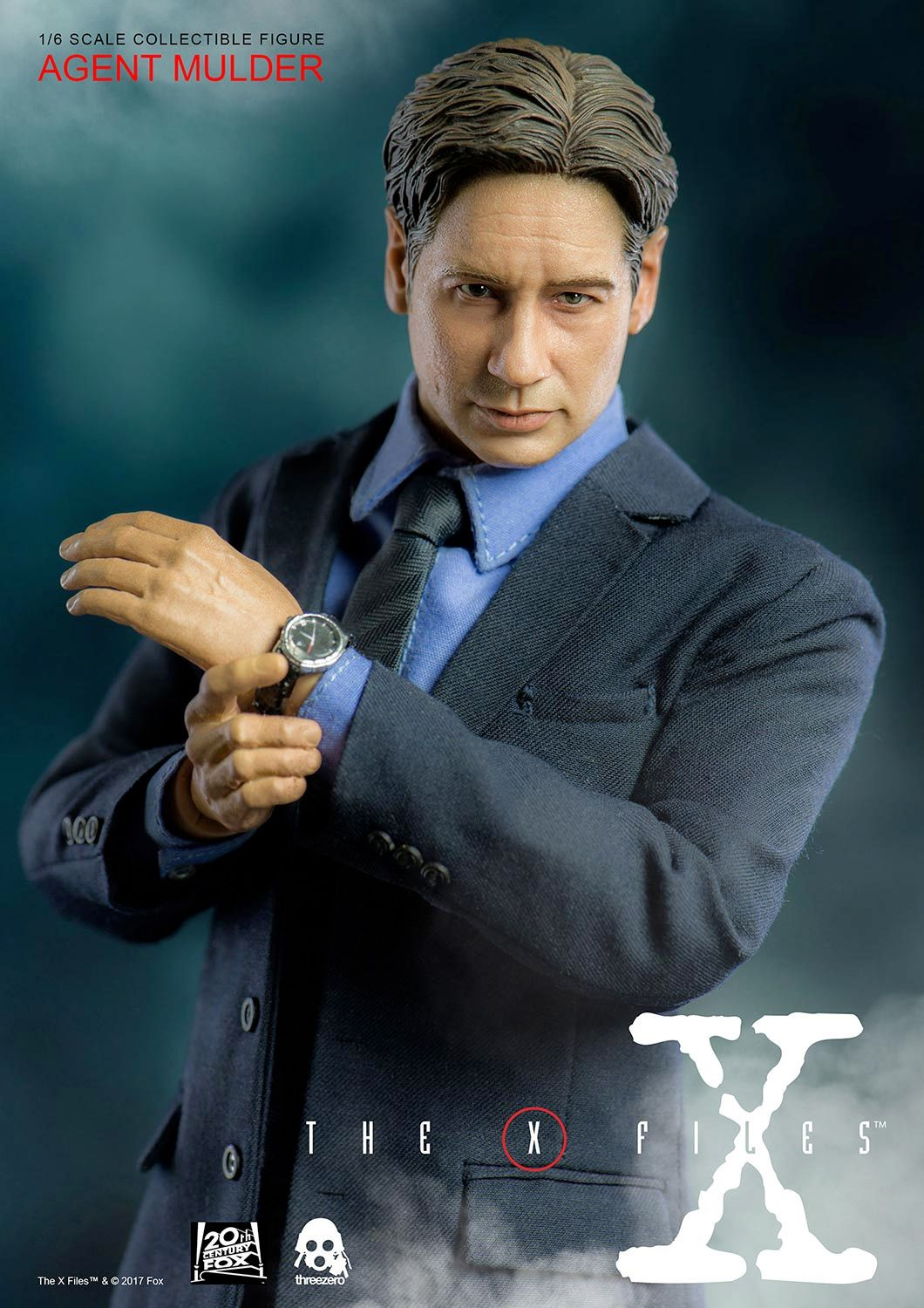 Agent-Mulder-X-Files-Collectible-Figure-ThreeZero-04