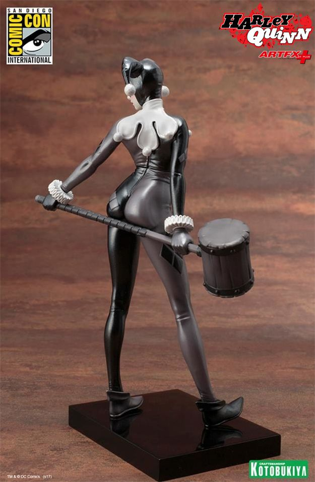 Estatua-Harley-Quinn-A-Night-in-Gotham-ARTFX-Statue-2017-SDCC-05