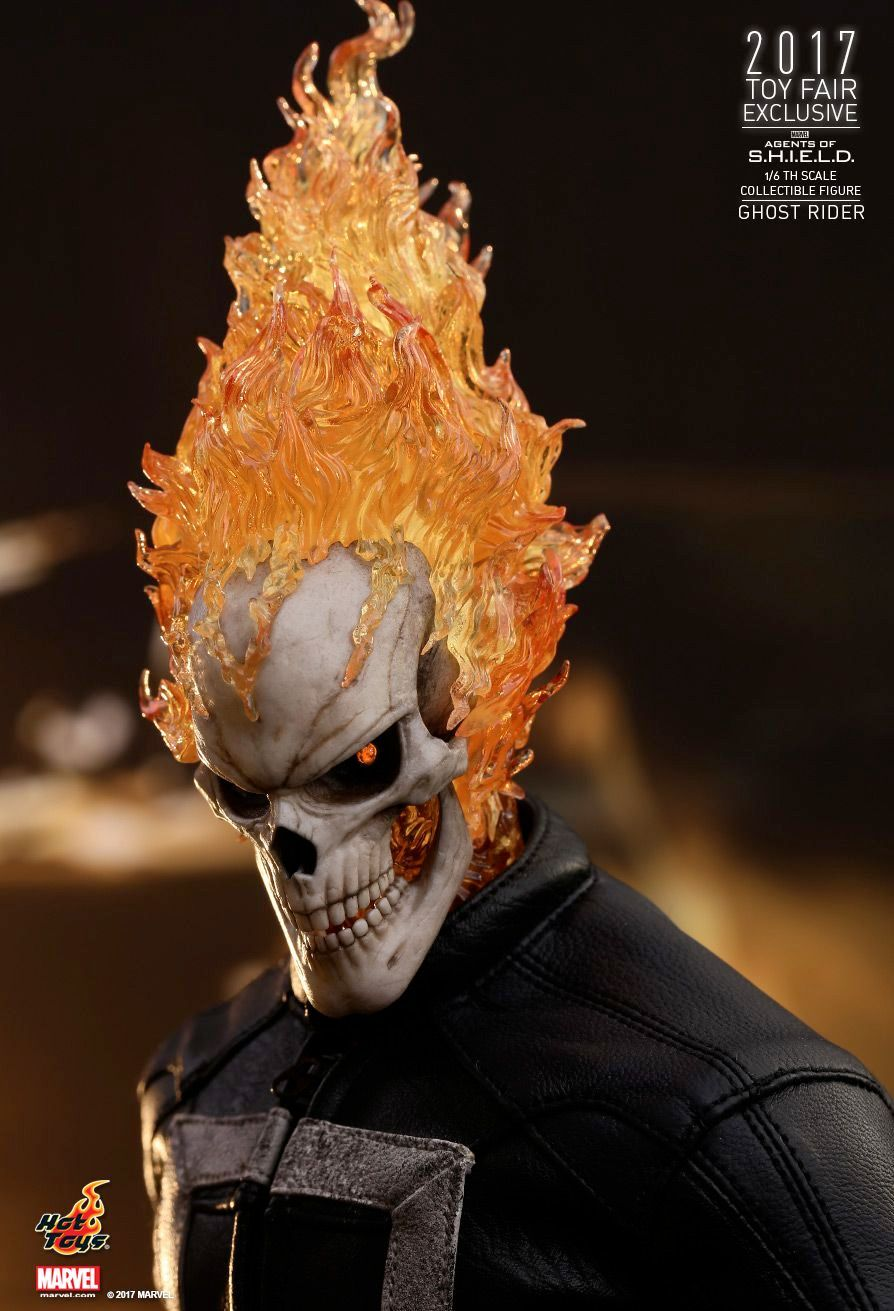 Hot-Toys-Ghost-Rider-Agents-of-SHIELD-Collectible-Figure-04