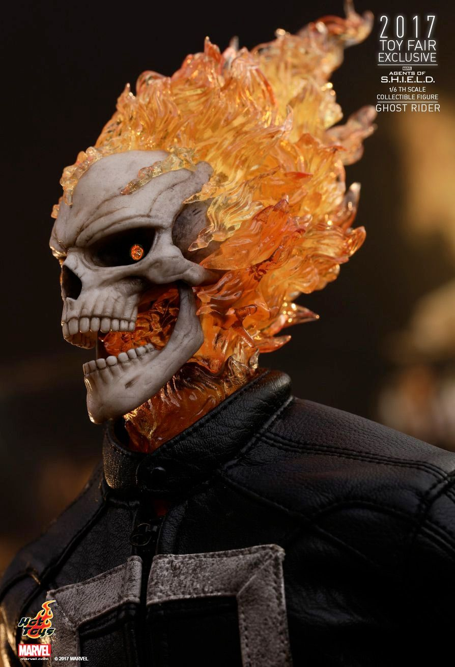 Hot-Toys-Ghost-Rider-Agents-of-SHIELD-Collectible-Figure-05