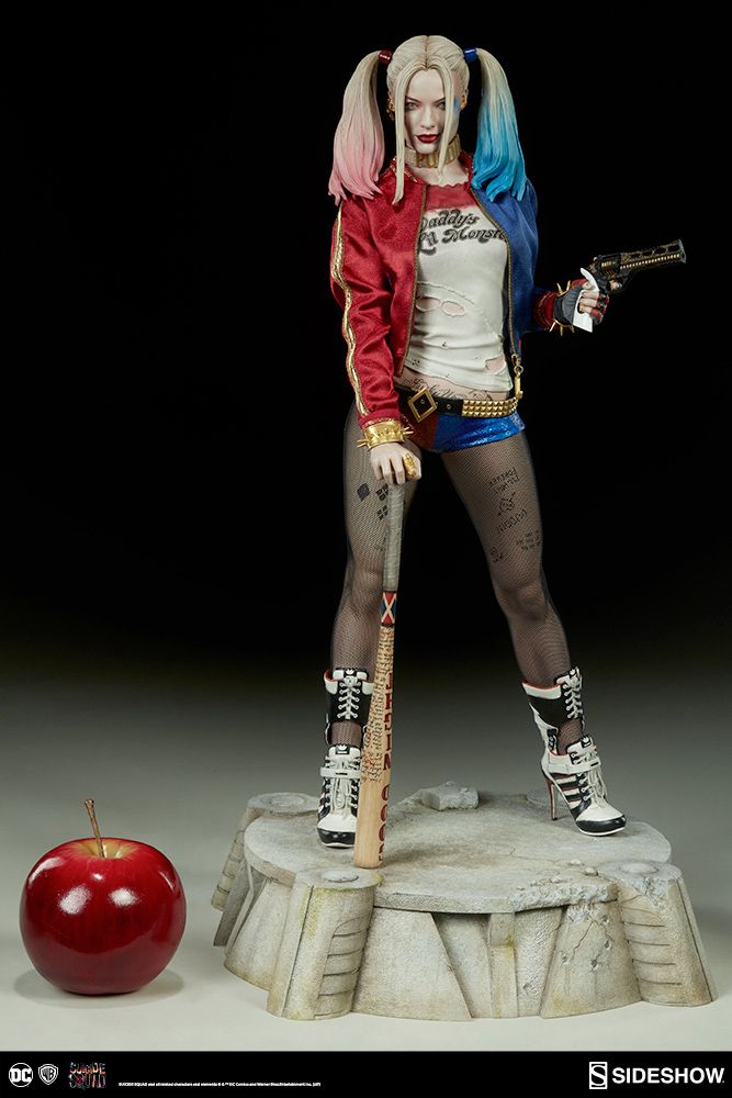Harley-Quinn-Suicide-Squad-Premium-Format-Figure-02