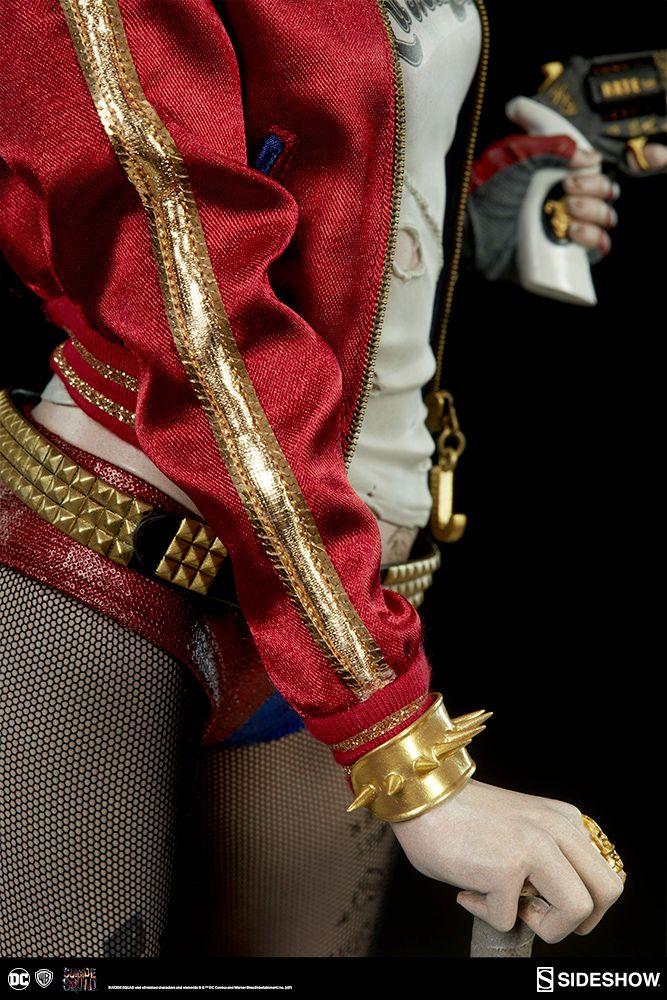 Harley-Quinn-Suicide-Squad-Premium-Format-Figure-11