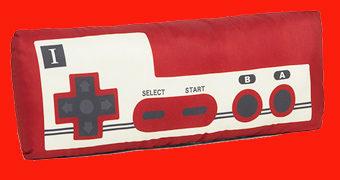 Controle Nintendo Famicom de Pelúcia