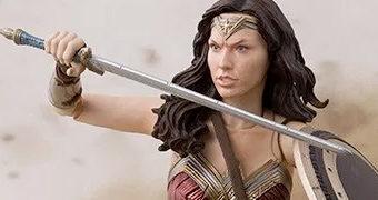 Action Figure S.H. Figuarts Wonder Woman (Gal Gadot) em Liga da Justiça