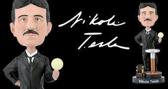 Boneco Bobble Head Nikola Tesla com Lâmpada Fosforescente
