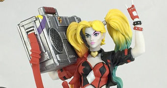 Estátua Harley Quinn com Boombox DC Rebirth