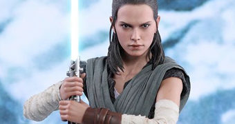 Rey Jedi Training (Daisy Ridley) em Star Wars The Last Jedi – Action Figure Perfeita 1:6 Hot Toys