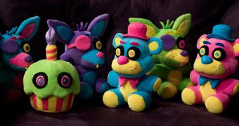 Bonecos de Pelúcia Five Nights at Freddy's Blacklight (Luz Negra)