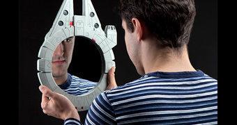 Espelho de Parede Millennium Falcon Star Wars Mirror