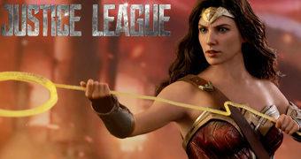 Mulher Maravilha (Gal Gadot) Liga da Justiça – Action Figure Perfeita 1:6 Hot Toys