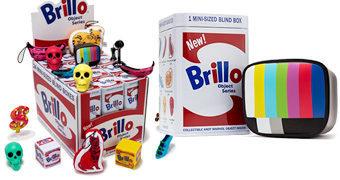 Mini-Figuras Andy Warhol em Caixas de Sabão Brillo Boxes (Blind-Box)
