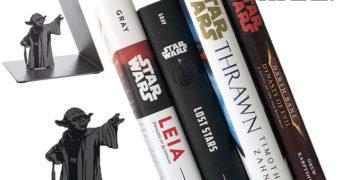 Yoda Usando a Força – Apoio de Livros Star Wars
