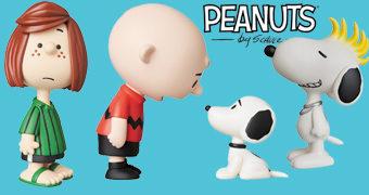 Bonecos Peanuts UDF Série 9 com Charlie Brown 50s, Snoopy Surfista e Punk, Estátua da Liberdade, Linus e Patty Pimentinha