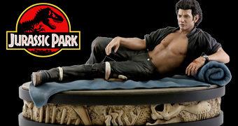 Ian Malcolm (Jeff Goldblum) com Camisa Aberta – Estátua Perfeita 1:4 Jurassic Park Chronicle Collectibles