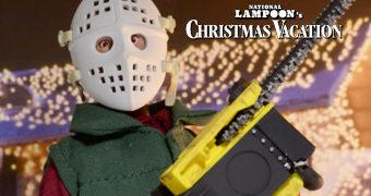 "Clark Griswold Jr. (Chevy Chase) ""Jason"" com Motosserra e Máscara de Hockey – Action Figure Férias Frustradas no Natal"