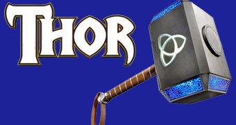 Mjölnir, o Martelo de Thor em Escala 1:1 com Luzes Ativadas por Voz