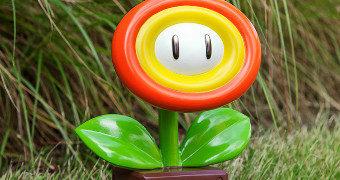 Estátua Fire Flower Super Mario para o Jardim Nerd!