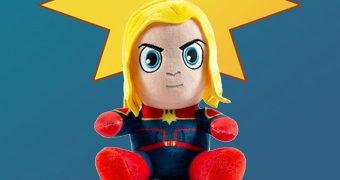 Boneca de Pelúcia Capitã Marvel PHUNNY