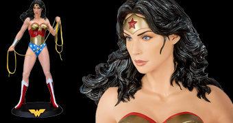 Estátua Mulher Maravilha em Tamanho Real com 2 m de Altura por 4.000 Dólares